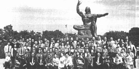 平和記念像前にて